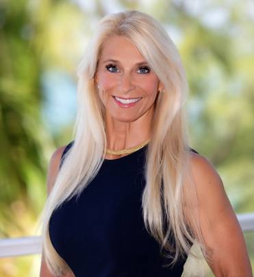 Jan Tomkins - Broker/Owner - Azure Realty Cayman
