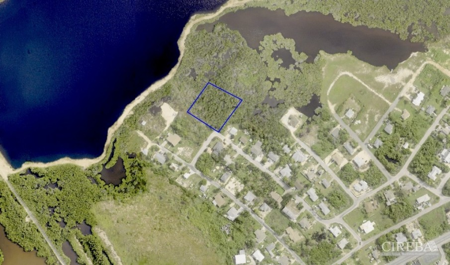 BODDEN TOWN ACRE - Image 1