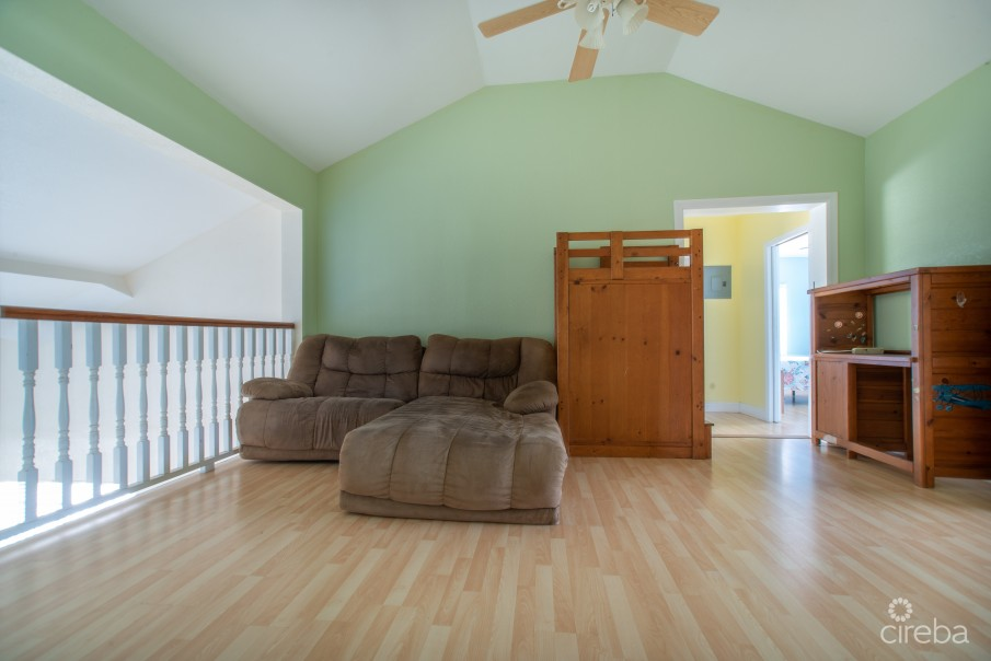 CANAL FRONT HOUSE WITH 100FT DOCK & INCOME PRODUCING APARTMENT - Image 30