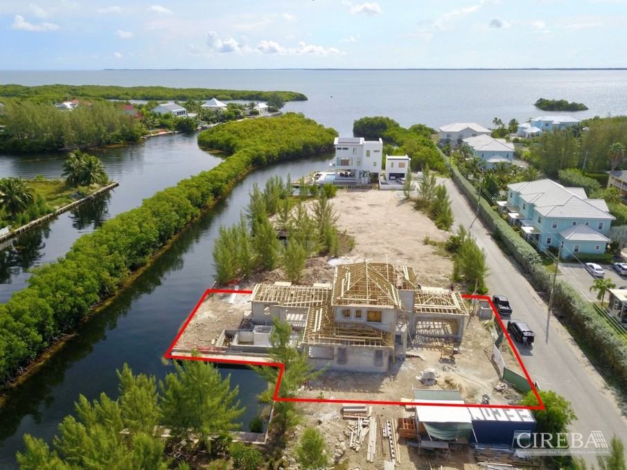 CLIPPER BAY CANAL FRONT HOME - Image 6