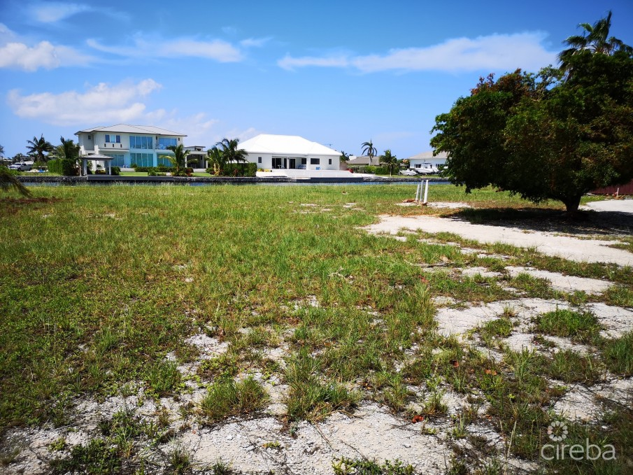 CRYSTAL HARBOUR CORNER CANAL LOT - WATERFORD QUAY - 0.4238 ACRES - Image 2