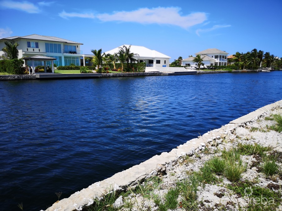CRYSTAL HARBOUR CORNER CANAL LOT - WATERFORD QUAY - 0.4238 ACRES - Image 1