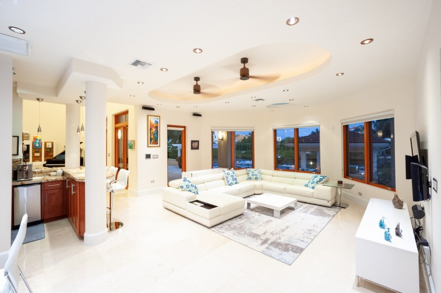 CRYSTAL HARBOUR FAMILY HOME - Image 5