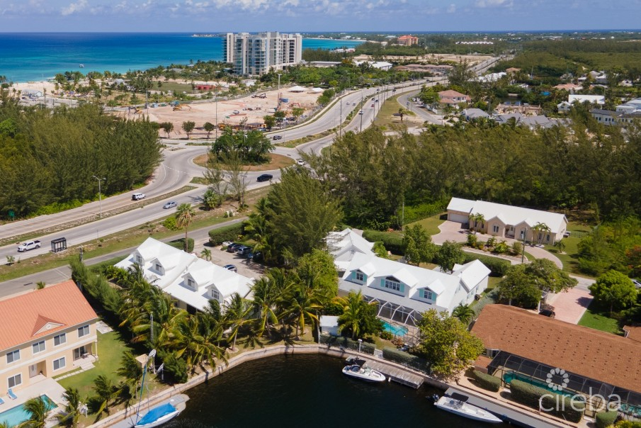 GOVERNOR'S HARBOUR HOME WITH SEPARATE INCOME APARTMENTS - Image 1