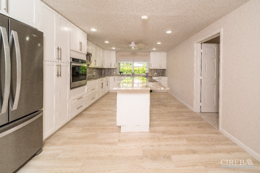 LOTTERY ROAD - NEWLY RENOVATED - LOWER VALLEY - Image 2