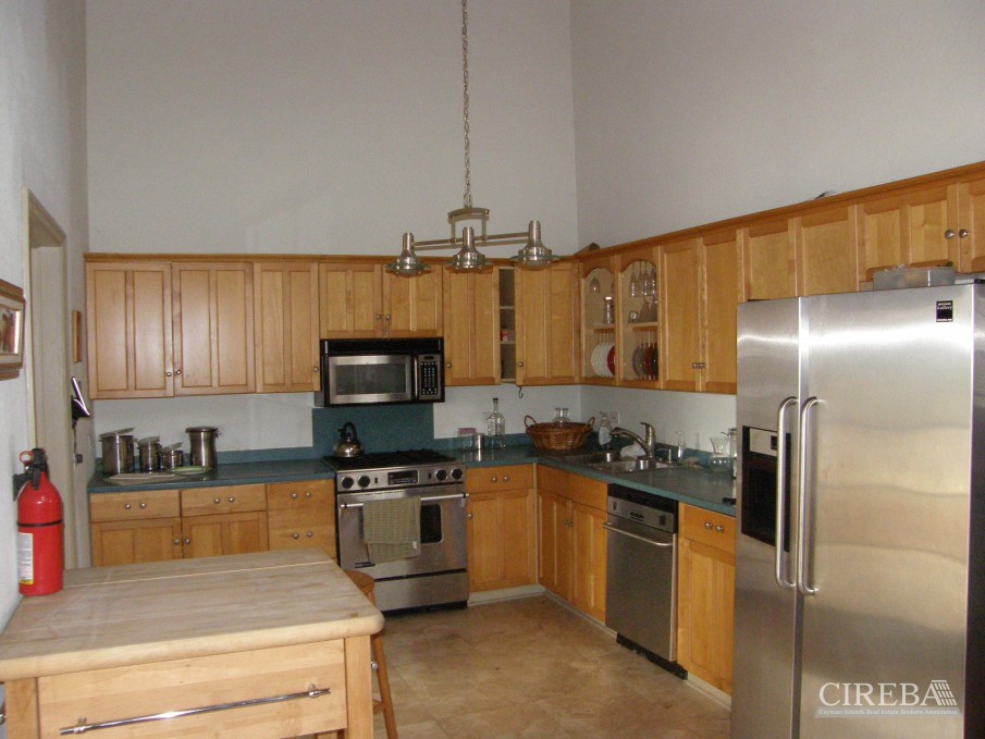 LOWER VALLEY HOME - Image 2