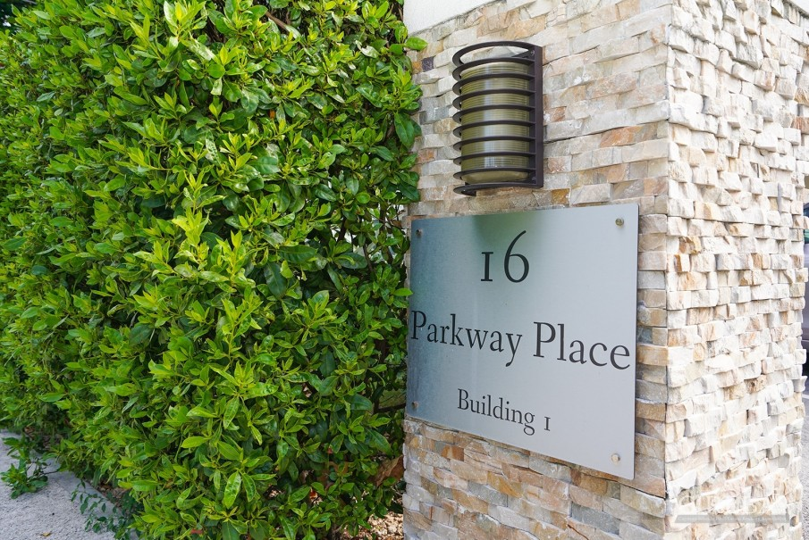 LUXURY PARKWAY TOWNHOME - MOVE-IN-READY! - Image 14