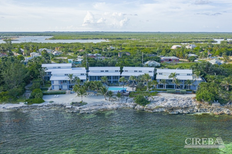 REDUCED! MOON BAY - BEACH FRONT CONDO (VENDOR WILL PAY 1ST YEAR STRATA & INSURANCE) - Image 1