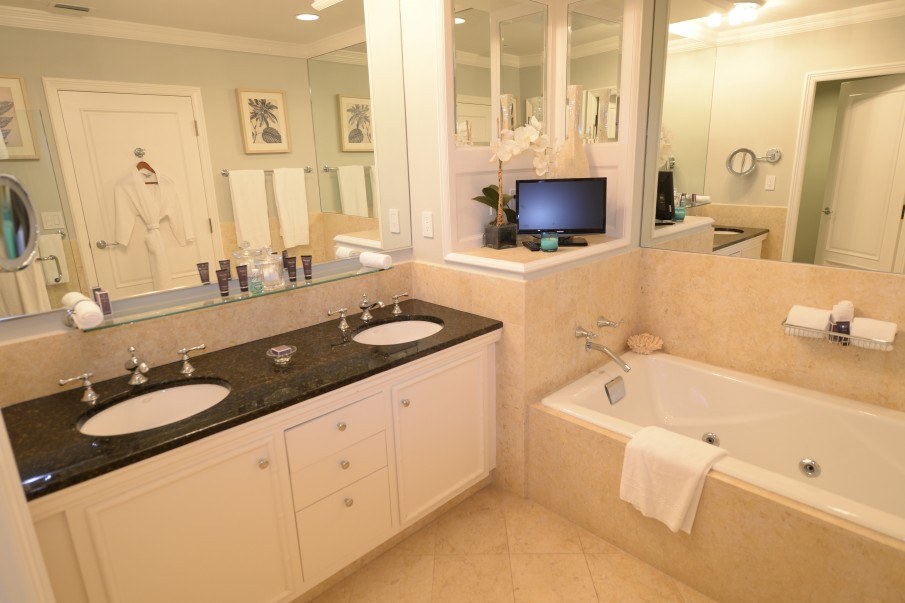 RITZ-CARLTON PRIVATE RESIDENCE 409 - Image 6