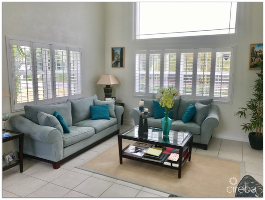 SUNRISE LANDING EXECUTIVE CANAL FRONT HOME - Image 3