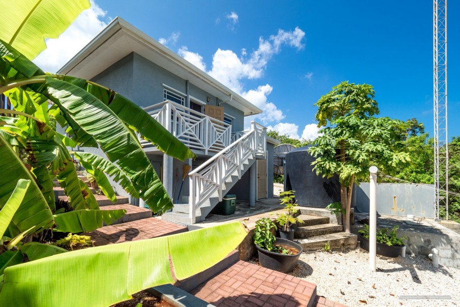 CAYMAN BRAC GUEST HOUSE WITH BEACH LOT! - Image 25