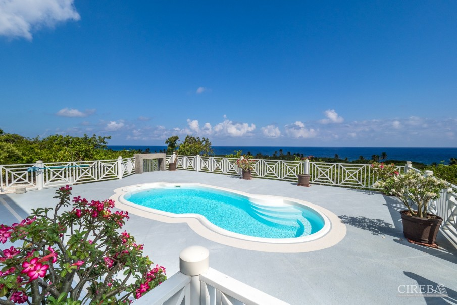 CAYMAN BRAC GUEST HOUSE PLUS BEACH FRONT LOT