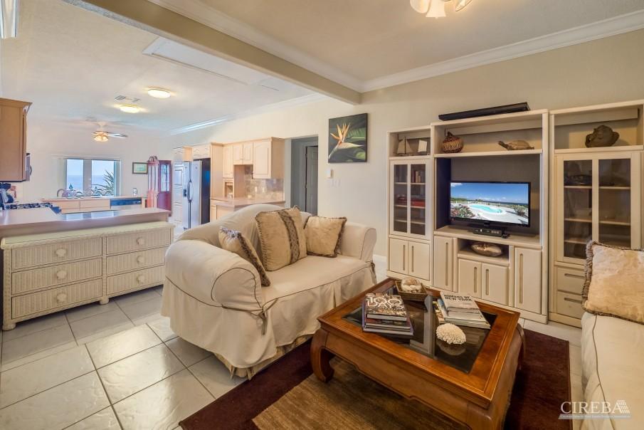 CAYMAN BRAC GUEST HOUSE PLUS BEACH FRONT LOT - Image 14