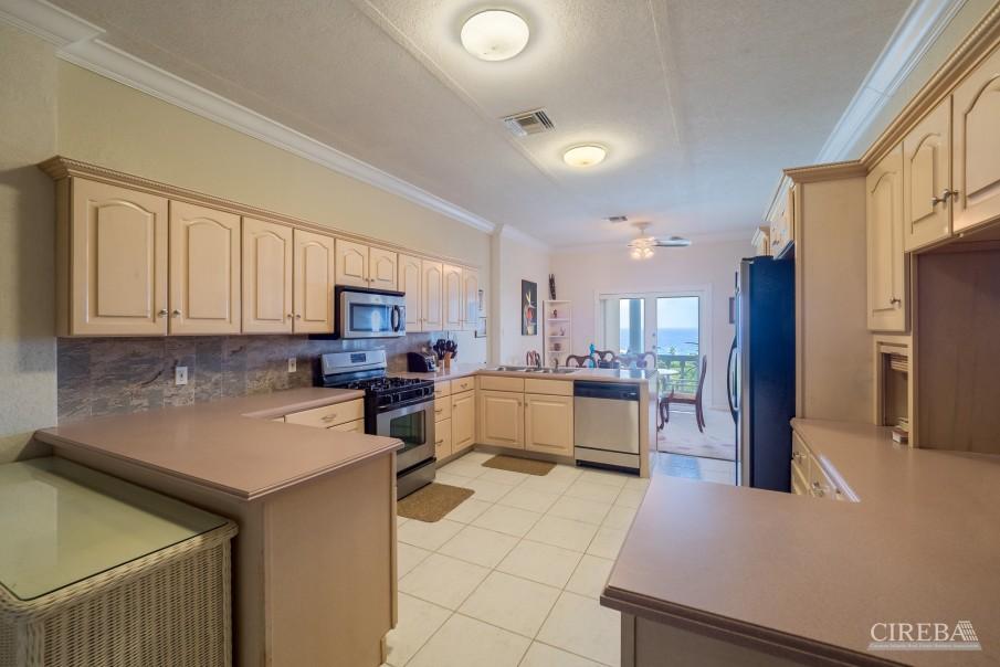 CAYMAN BRAC GUEST HOUSE PLUS BEACH FRONT LOT - Image 13