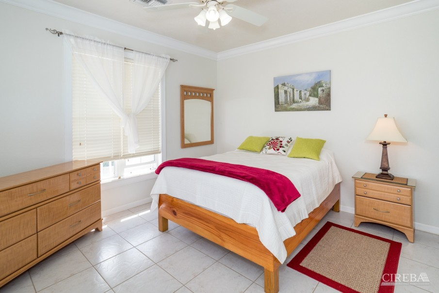 CAYMAN BRAC GUEST HOUSE WITH BEACH LOT! - Image 18