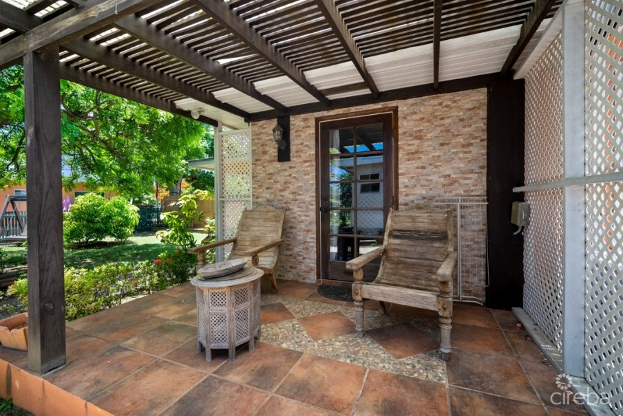 WEST BAY HOME INVESTMENT/ W APARTMENT/W POOL - Image 5