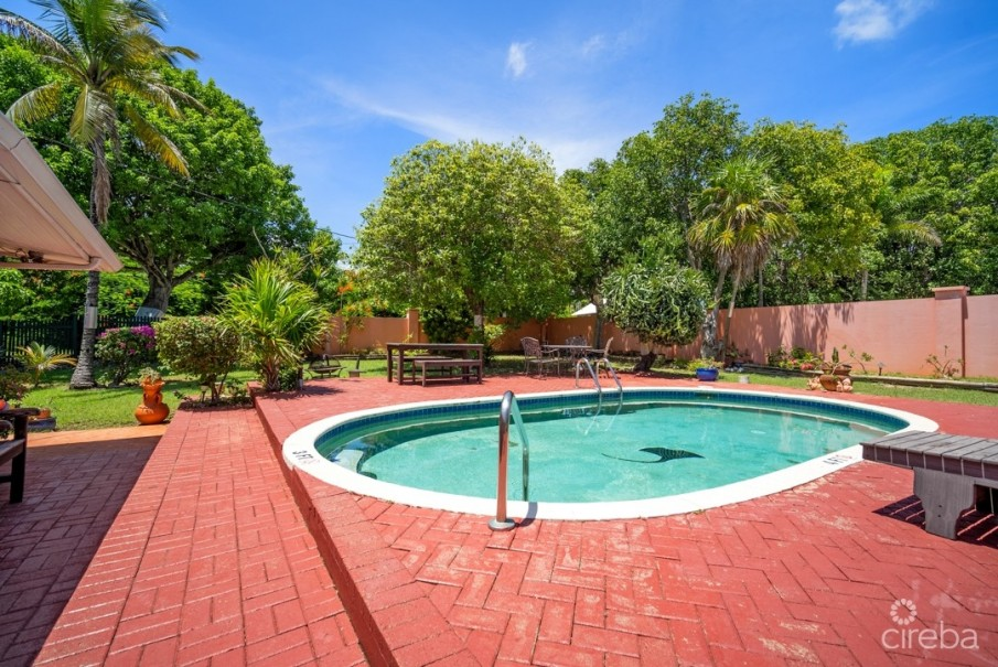 WEST BAY HOME INVESTMENT/ W APARTMENT/W POOL - Image 1