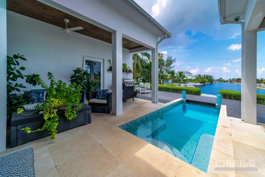 WEST POINT VILLA IN CRYSTAL HARBOUR - Image 14