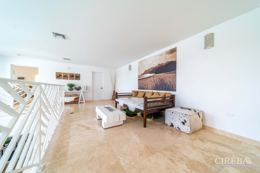 WEST POINT VILLA IN CRYSTAL HARBOUR - Image 21