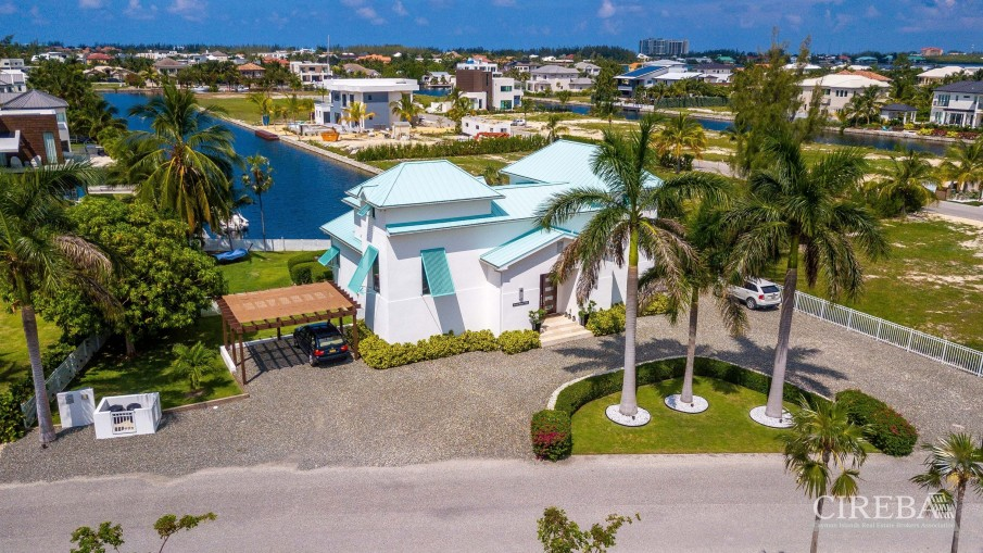 WEST POINT VILLA IN CRYSTAL HARBOUR - Image 23